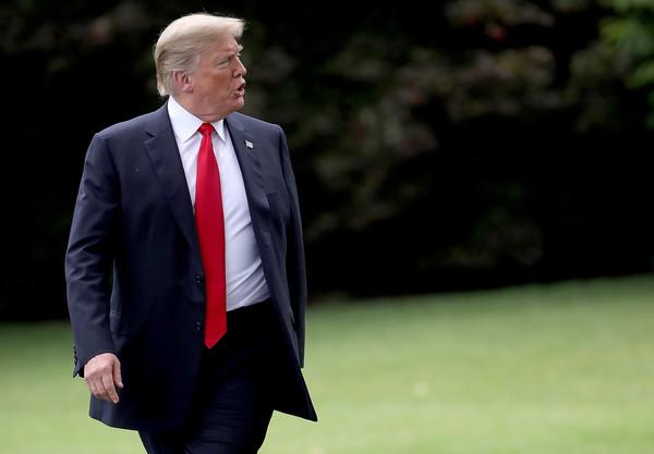 Donald+Trump+President+Trump+Departs+White+DlSEQHfV0pel