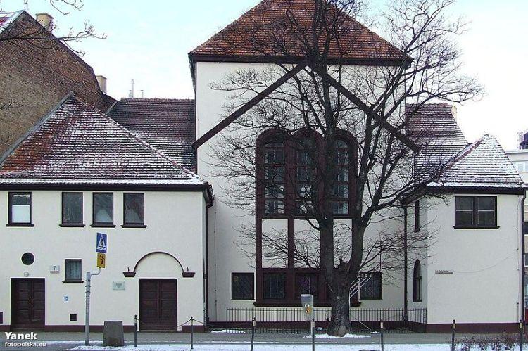 800px-Gdańsk_Nowa_Synagoga_-_fotopolska.eu_278143