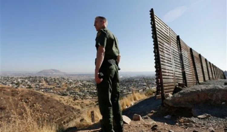 border-patrol-immigration_c0-23-640-396_s885x516