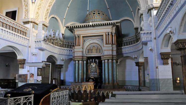 interior-Choral-Synagogue-Vilnius-Lithuania