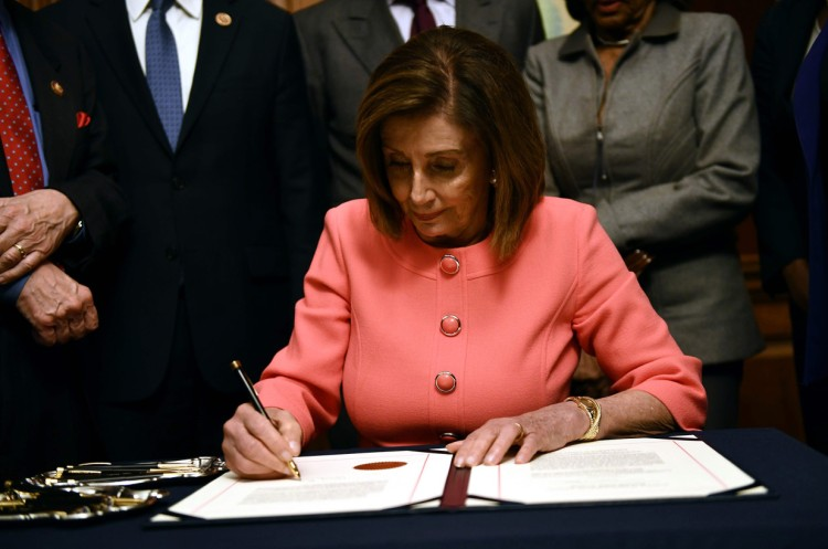 nancy-pelosi-signs-articles-of-impeachment